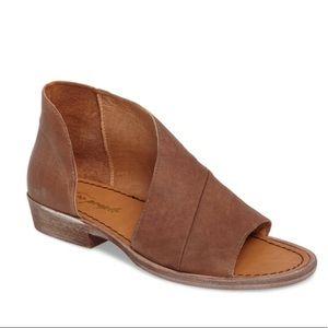 Free People Mont Blanc Asymmetrical sandal brown